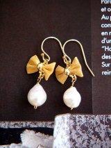 (14kgf)アコヤ真珠 リボン飾りピアス