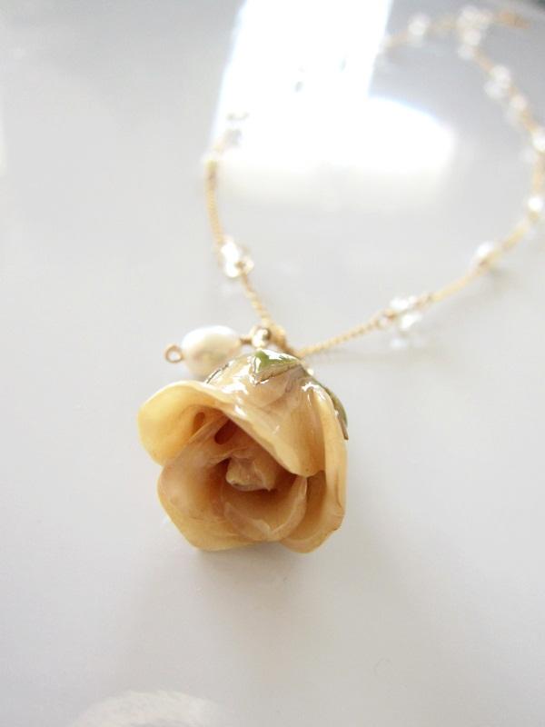画像1: (14kgf)パリ風アンティーク 取り外しOKの薔薇チャーム付きネックレス