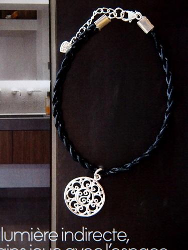 画像1: (silver925)革の三つ編みブレスレット