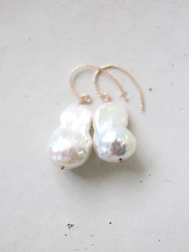 画像1: 14KGF large drop  baroque pearl pierce