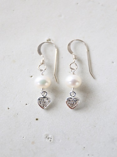 画像1: SILVER925 zirconiaheart whitepearl pierce