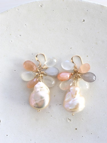 画像1: 14KGF  pearl moonstone pierce