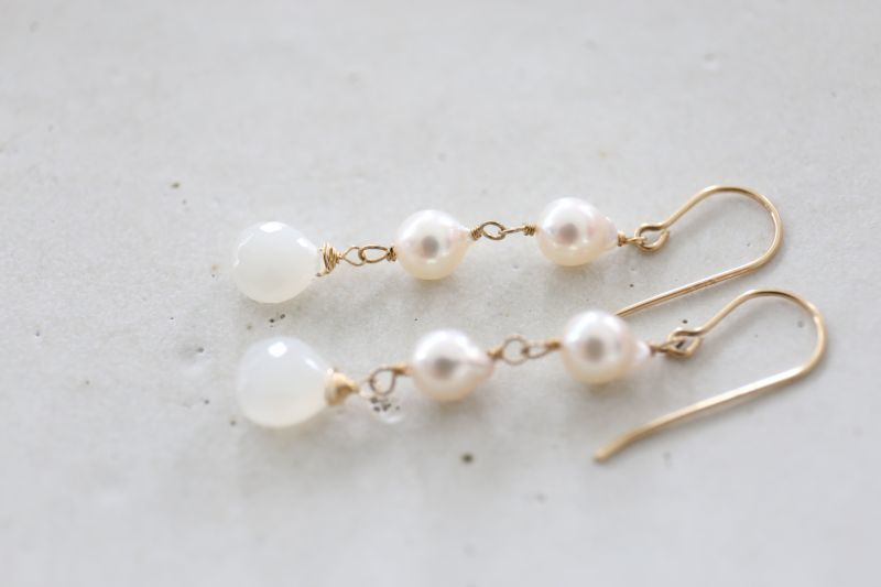 画像2: 14KGF akoya pearl  whait moonstone pierce