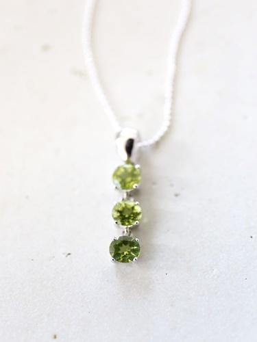 画像1: SILVER925 peridot necklace
